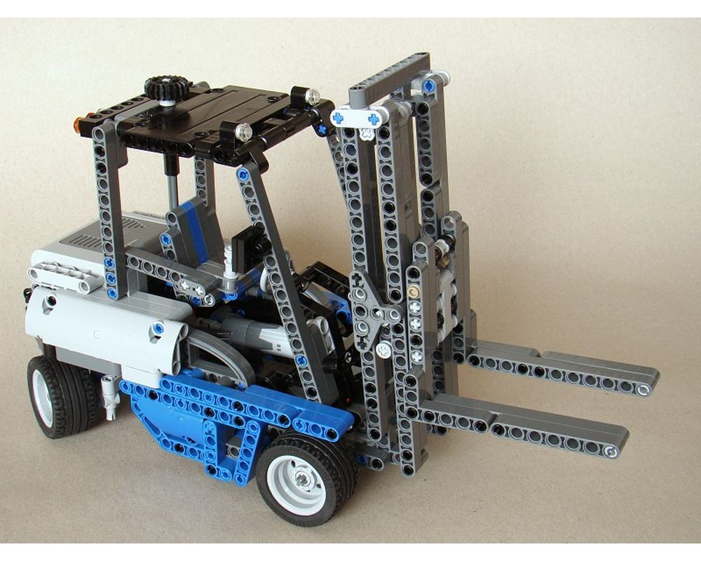 TECHNIC MOC 0640 8052: Forklift Truck by Tomik MOCBRICKLAND