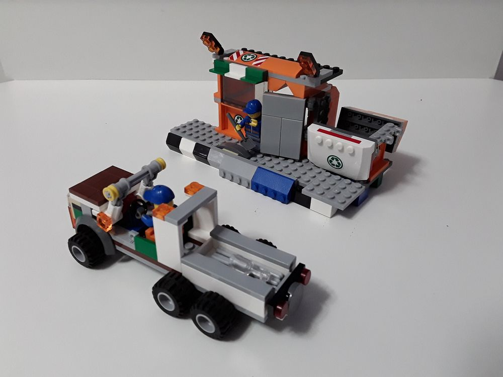 LEGO MOC-11992 60118 - Recycling Center (Town > City 2018