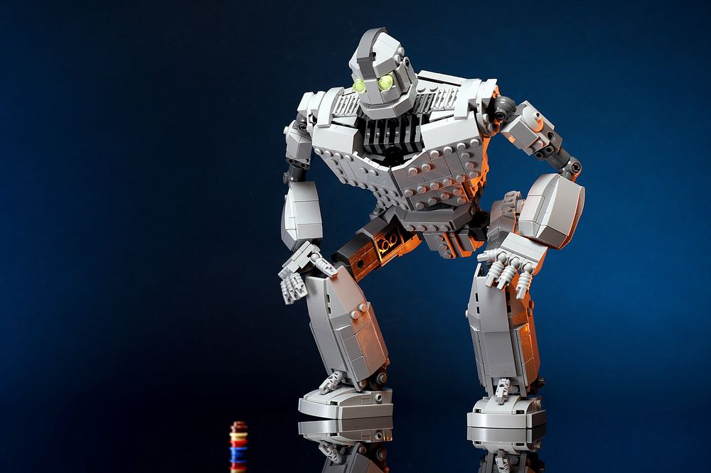 LEGO MOC-14898 The Iron Giant (Other 2018) | Rebrickable