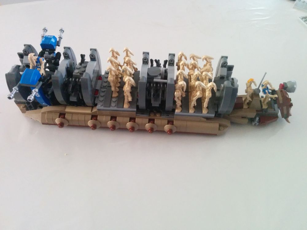 LEGO MOC-15022 Battle Droid Heavy Troop Carrier (Star Wars