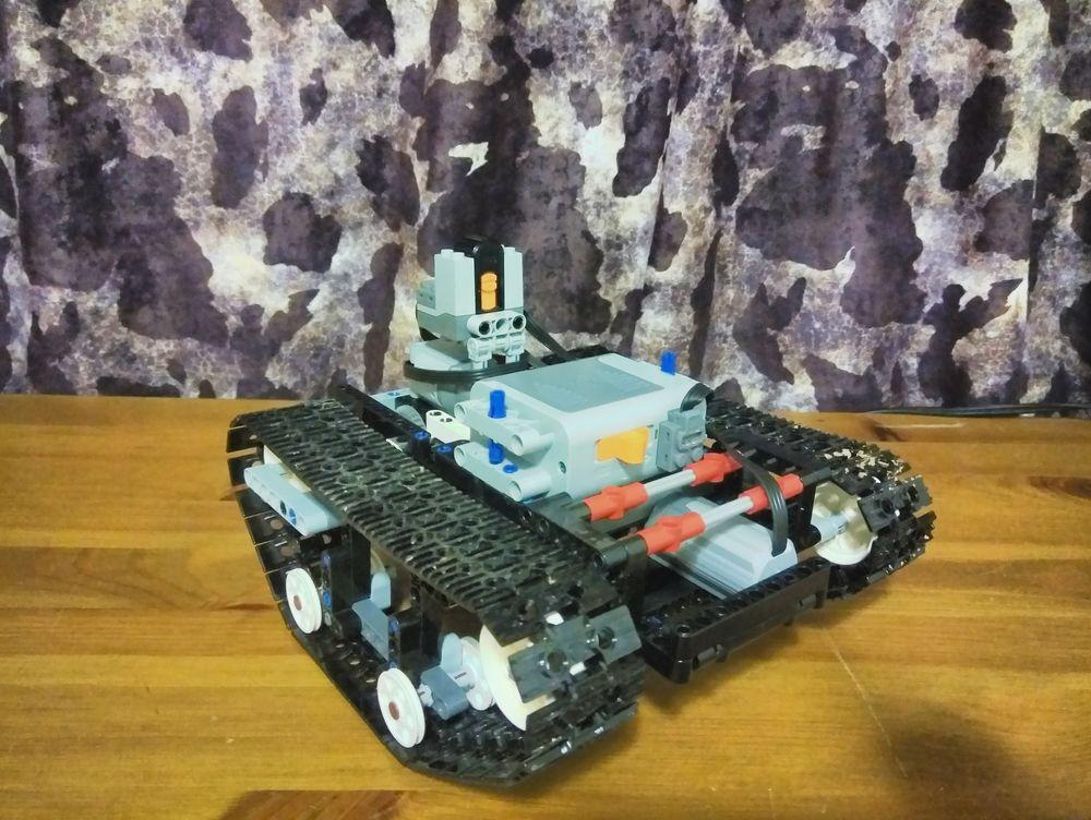 LEGO MOC-20032 Double Differential Tank Drive RC (Technic 2017