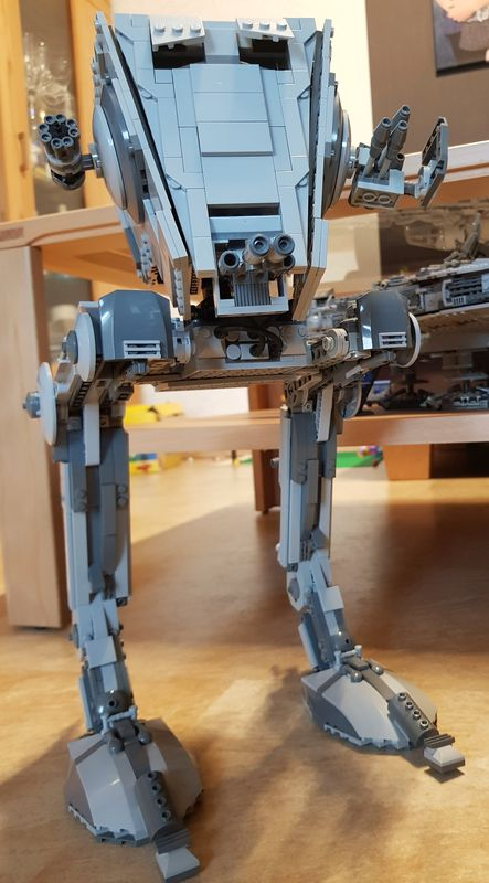 LEGO MOC-21129 Flattend UCS AT-ST (Star Wars > Ultimate Collector