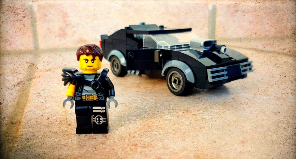 LEGO MOC-23105 MAD MAX Ford Falcon V8 Interceptor (Creator