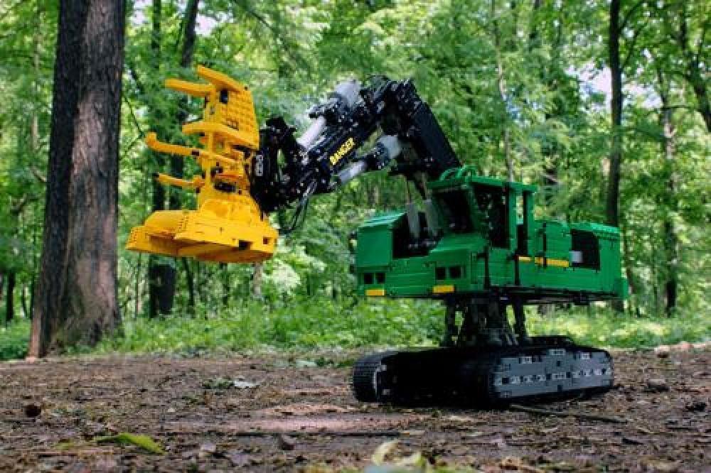 LEGO MOC-4532 Feller-Buncher (Technic 2015)   Rebrickable