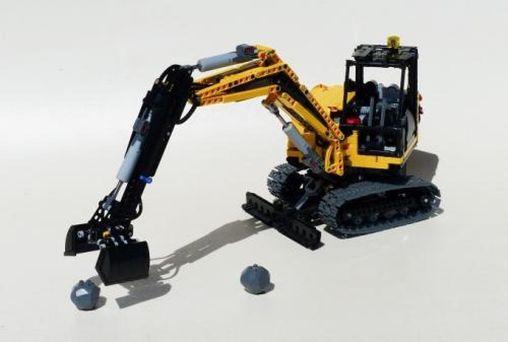 LEGO MOC-5567 Full RC Compact Excavator (Technic > Model ...