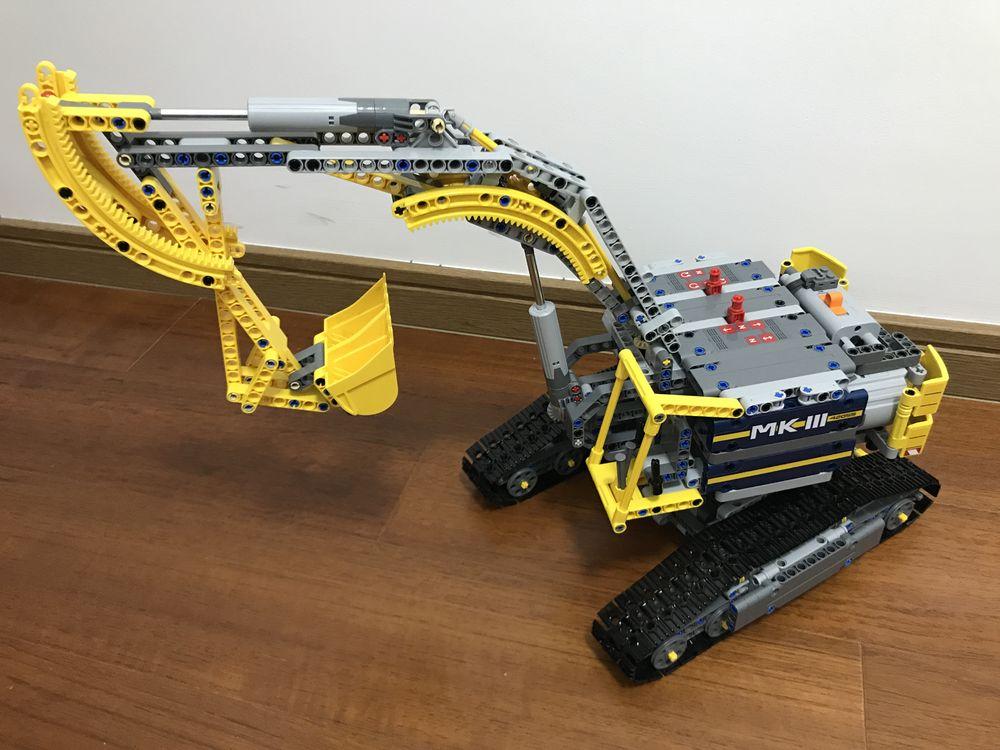LEGO MOC-7823 42055 C Model: Excavator (Technic > Model ...