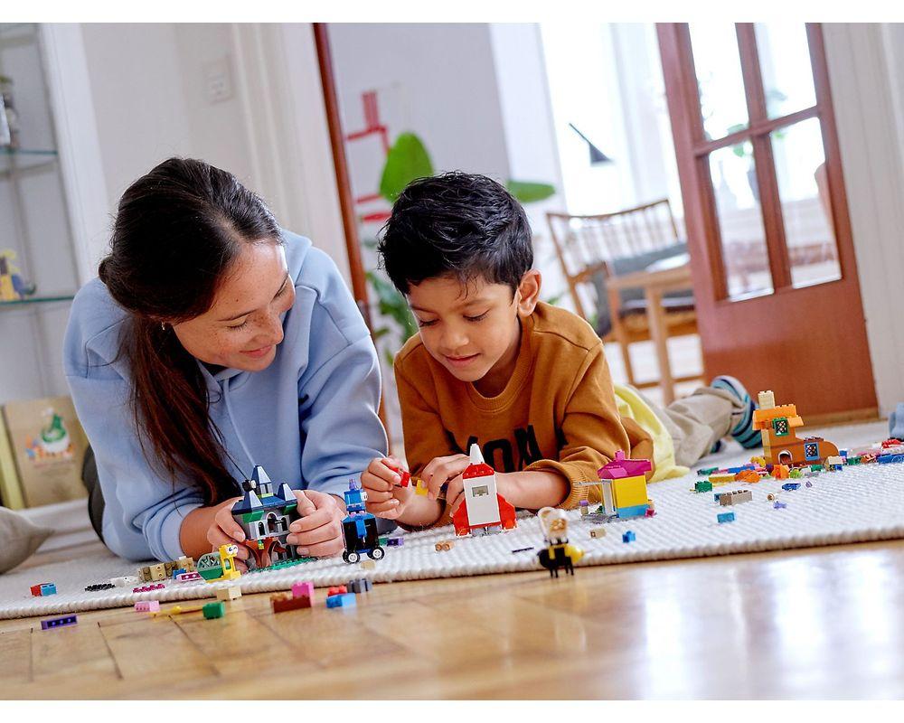 LEGO Set 11004-1 Windows of Creativity
