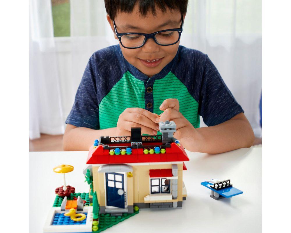 LEGO Set 31067-1 Modular Poolside Holiday