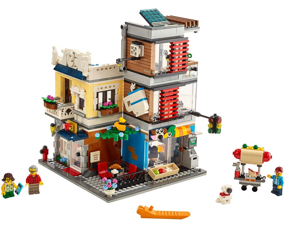 LEGO Set 31097-1 Townhouse Pet Shop & Café (LEGO - Model)