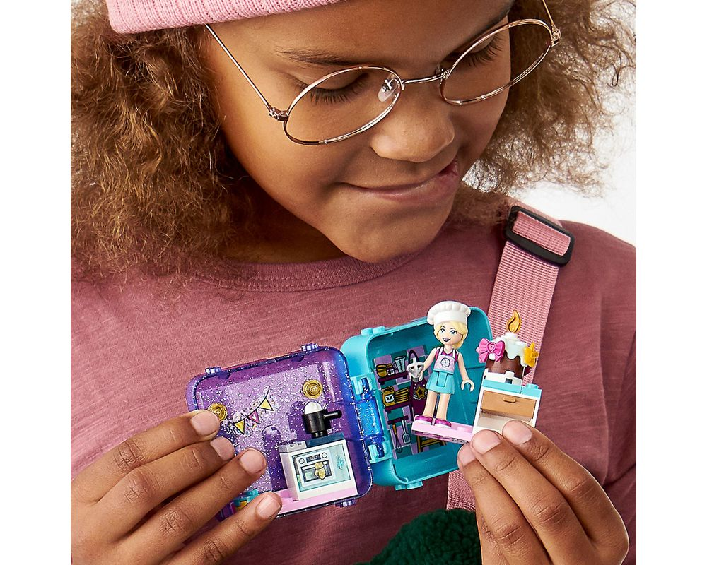 LEGO Set 41401-1 Stephanie's Play Cube - Dark Azure Puppy (Box - Back)