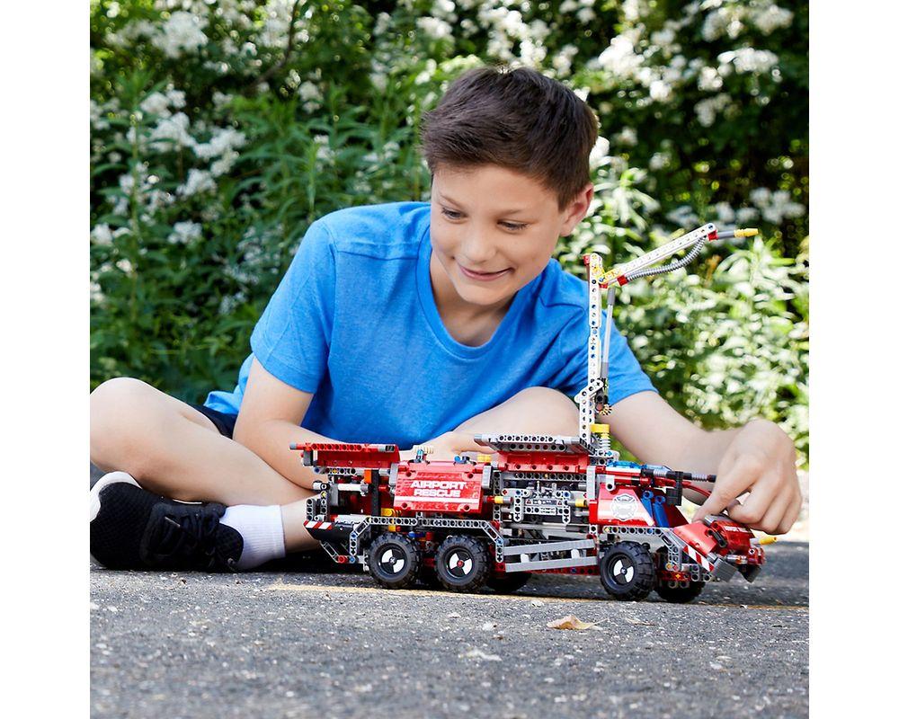 LEGO Set 42068-1 Airport Rescue Vehicle
