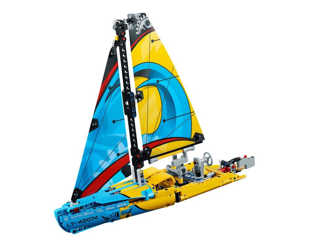 LEGO Set 42074-1 Racing Yacht (LEGO - Model)