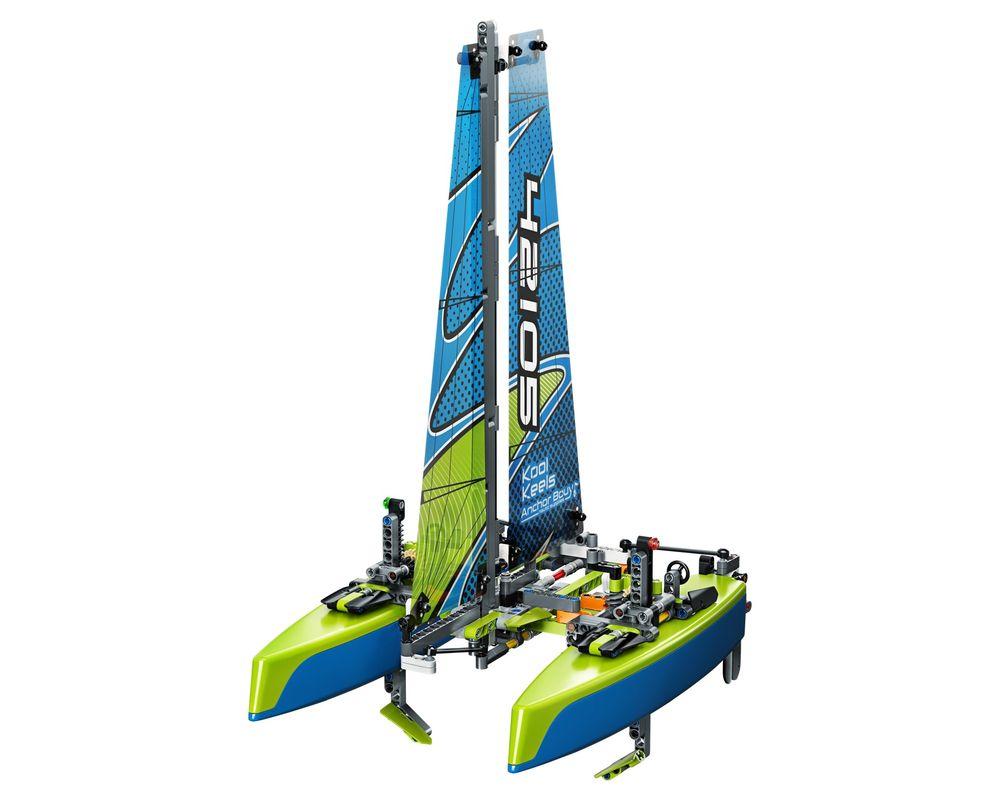 LEGO Set 42105-1 Catamaran (Model - A-Model)