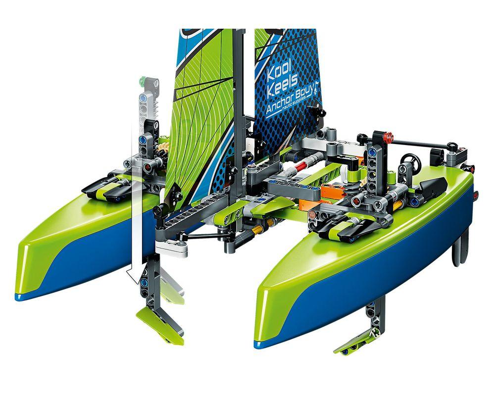 LEGO Set 42105-1 Catamaran