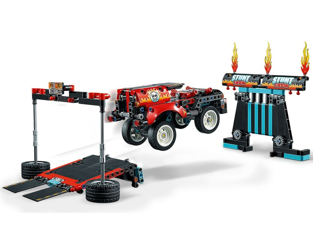 LEGO Set 42106-1 Stunt Show Truck & Bike (Model - B-Model)