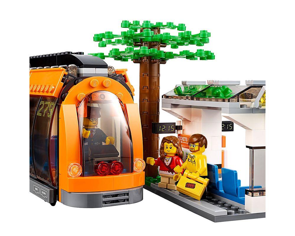 LEGO Set 60097-1 City Square