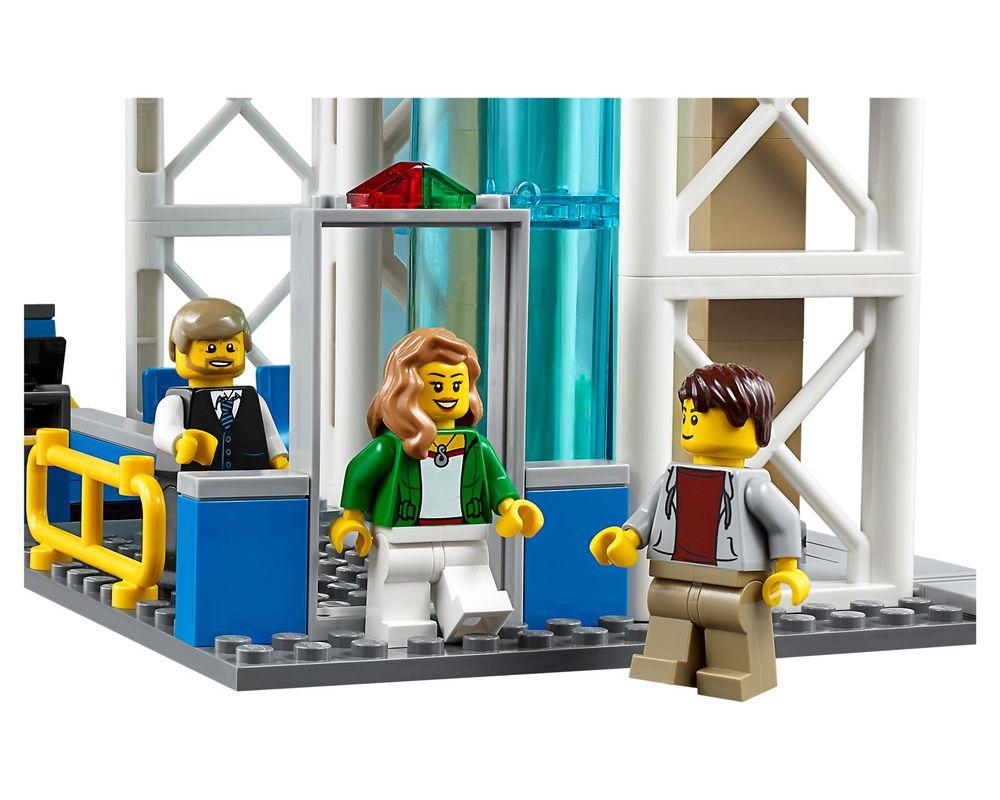 LEGO Set 60104-1 Airport Passenger Terminal