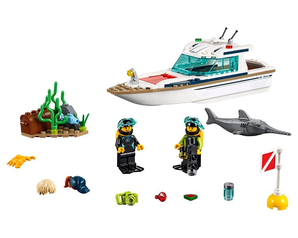 LEGO Set 60221-1 Diving Yacht (Model - A-Model)