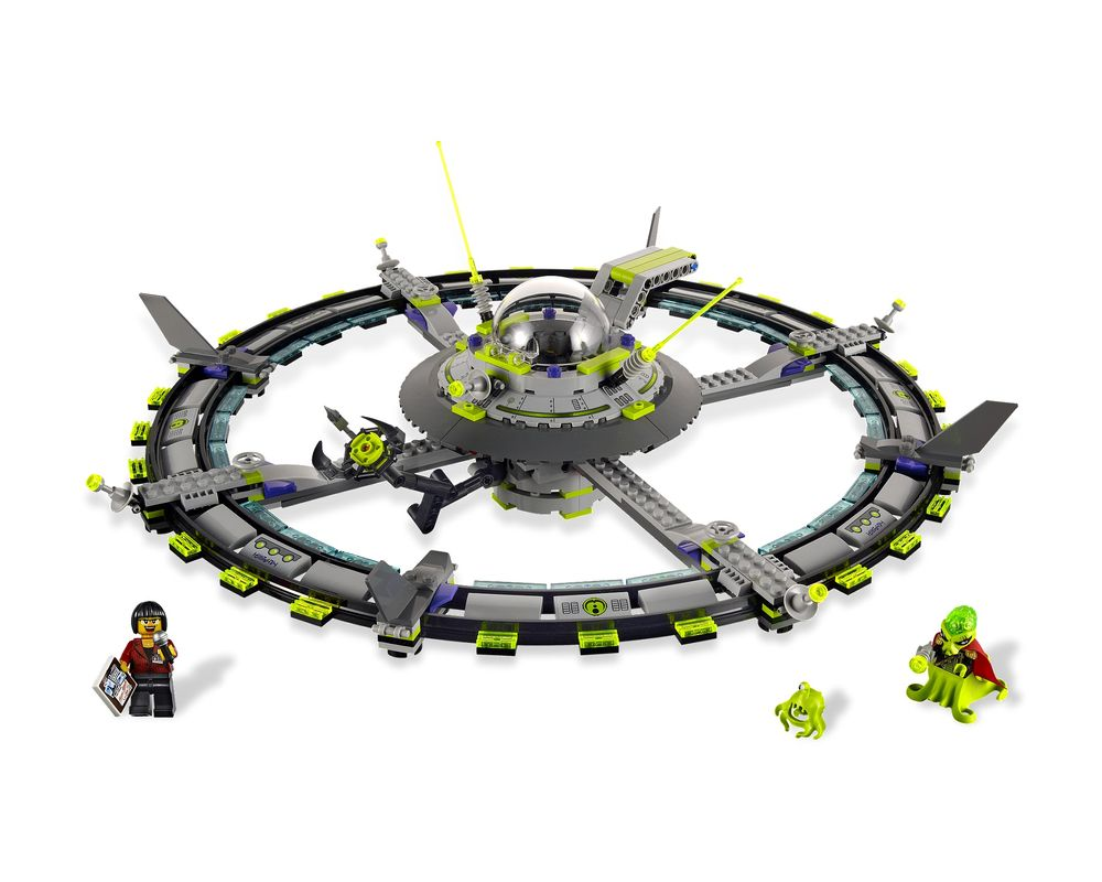 LEGO Set 7065-1 Alien Mothership (LEGO - Model)