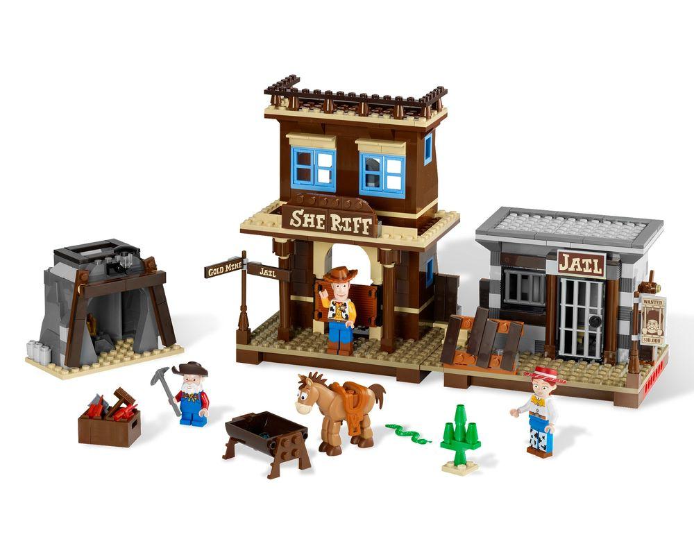 LEGO Set 7594-1 Woody's Roundup! (Model - A-Model)