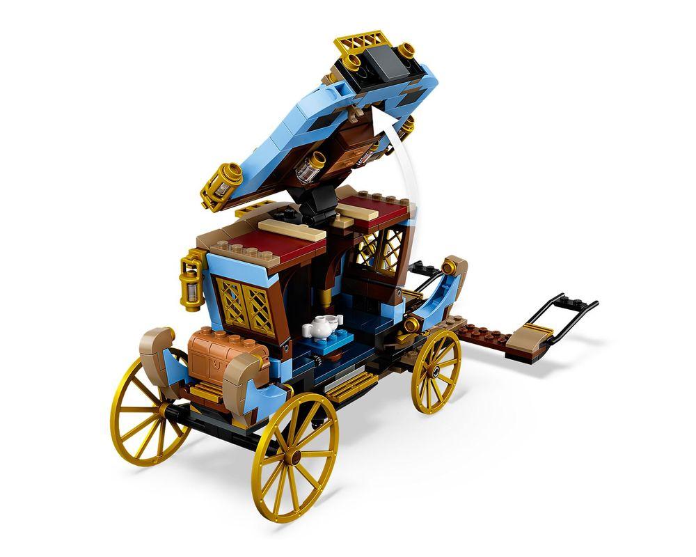 LEGO Set 75958-1 Beauxbatons' Carriage: Arrival at Hogwarts