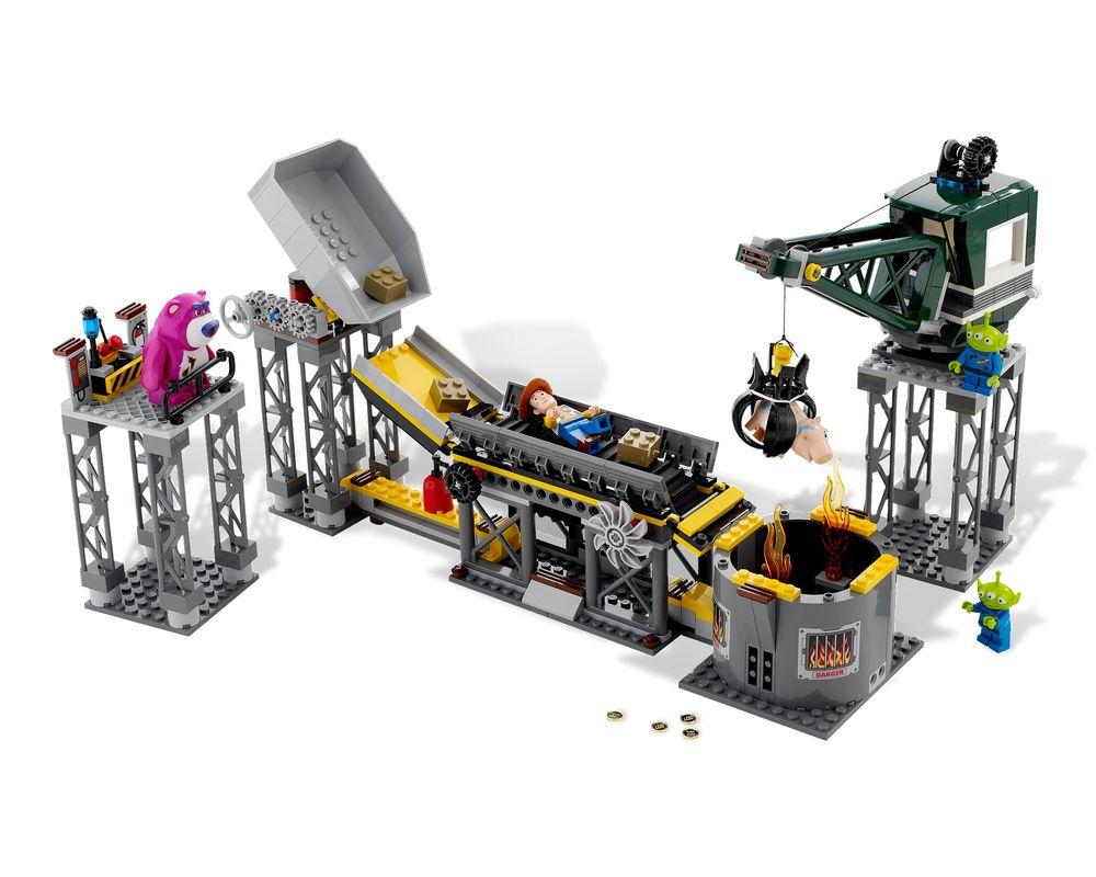 LEGO Set 7596-1 Trash Compactor Escape (Model - A-Model)