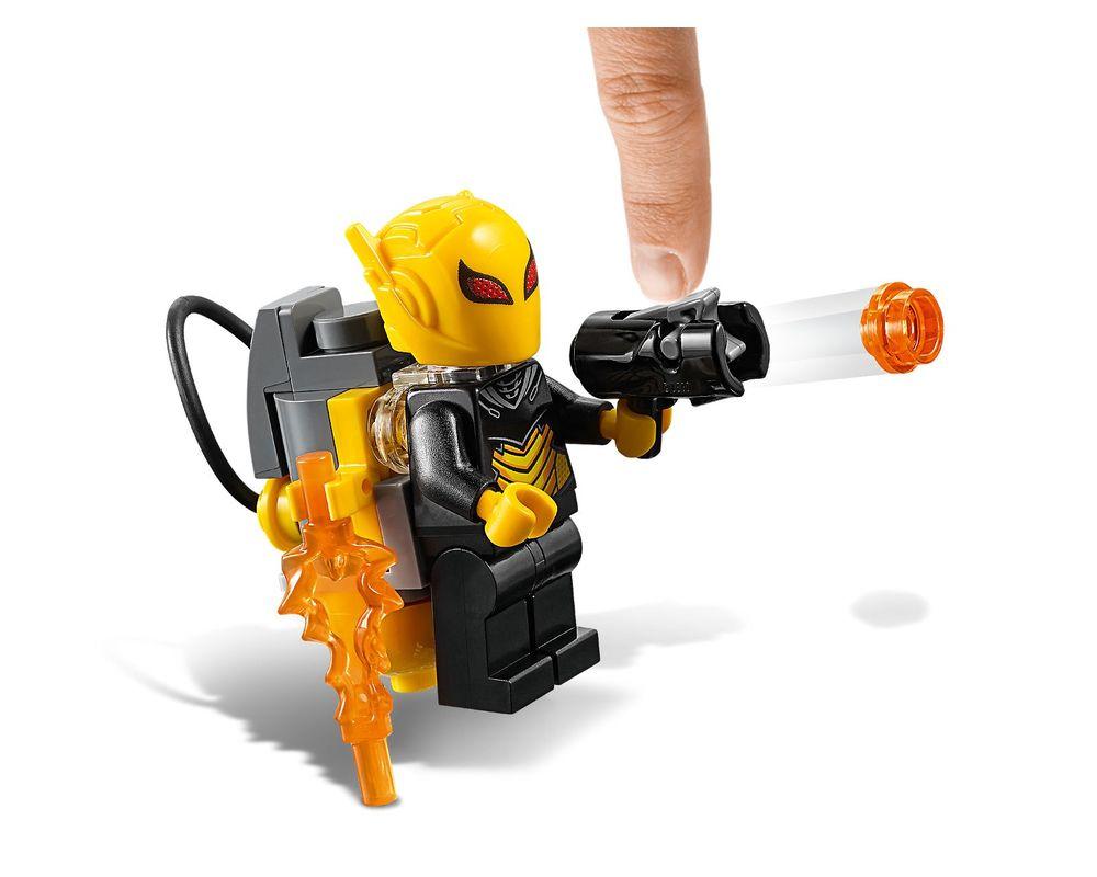 LEGO Set 76117-1 Batman Mech vs. Poison Ivy Mech