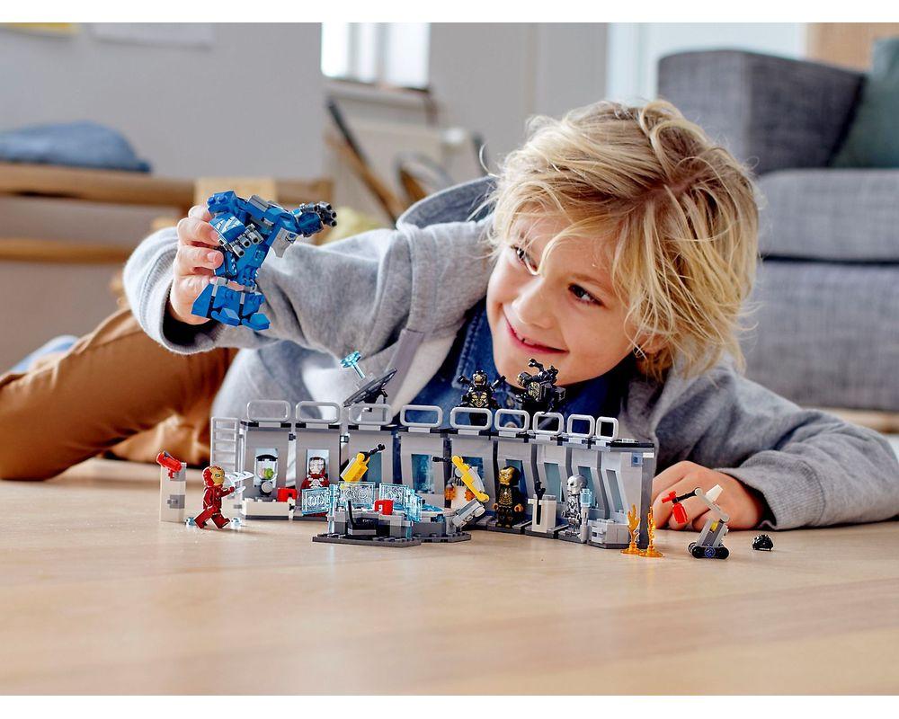 LEGO Set 76125-1 Iron Man Hall of Armour
