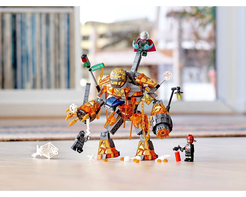 LEGO Set 76128-1 Molten Man Battle