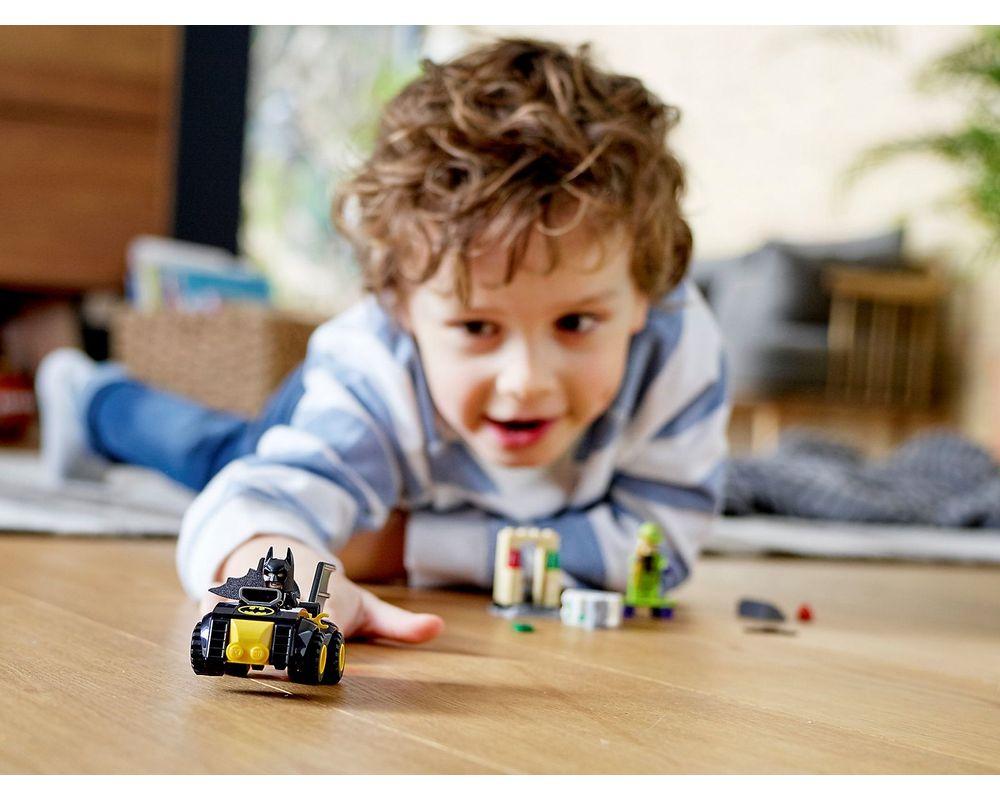 LEGO Set 76137-1 Batman vs. The Riddler Robbery