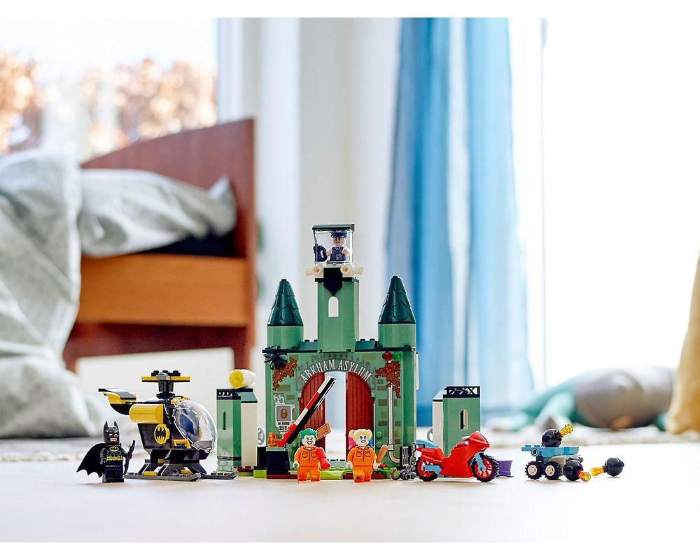 LEGO Set 76138-1 Batman and The Joker Escape