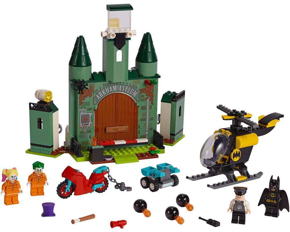 LEGO Set 76138-1 Batman and The Joker Escape (Model - A-Model)