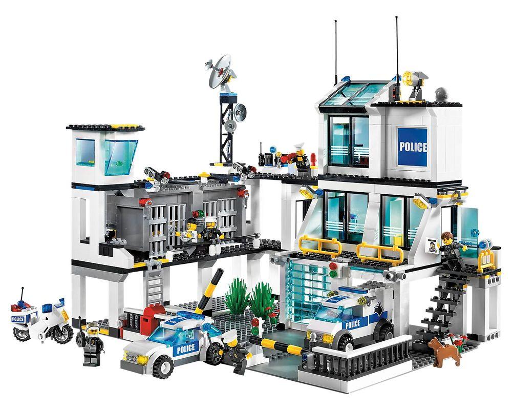 LEGO Set 7744-1 Police Headquarters
