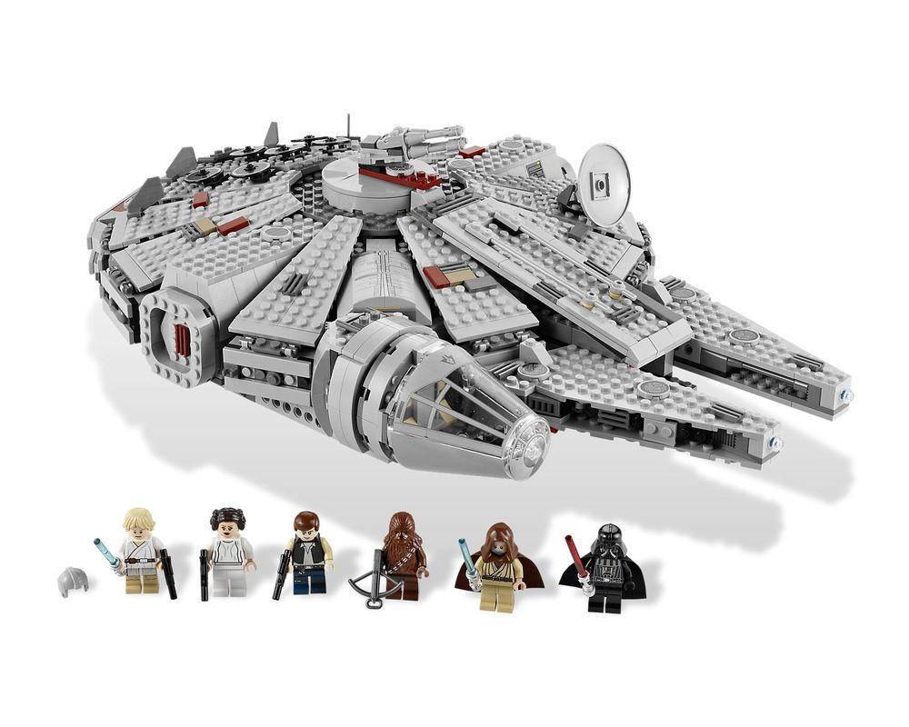 LEGO Set 7965-1 Millennium Falcon