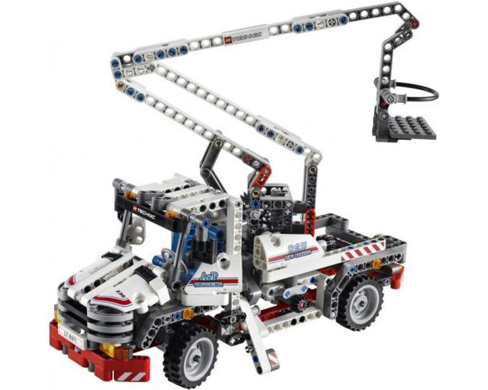 LEGO Set 8071-1 Lift Truck (LEGO - Model)