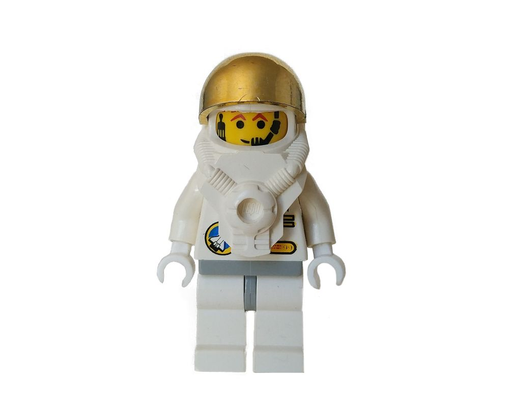 Details about  /Lego Minifigure Space Astronaut with Golden Helment and Backpack w// Black Stand